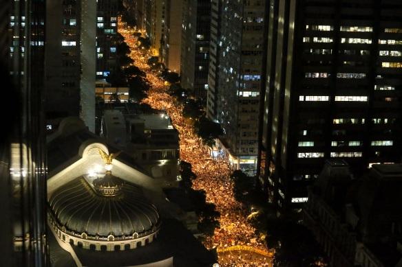 Movimento reúne manifestantes contra tarifas no Rio