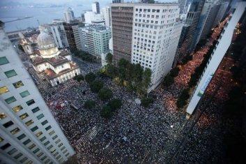 brasil-protesto-rio-de-janeiro-20130620-04-size-598
