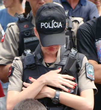mulher-policial-2