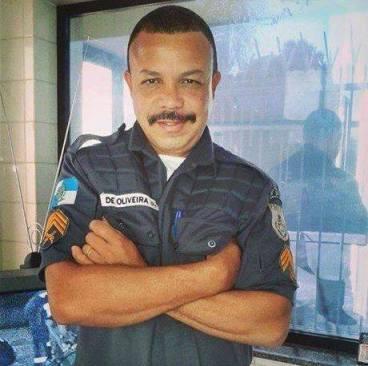 Policial morto forum bangu