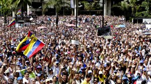 2014-02-16T194828Z-1110150863-GM1EA2H0ABH01-RTRMADP-3-VENEZUELA-PROTESTS-size-598